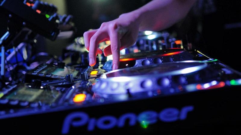 Photo of Pioneer trae el campeonato de España de DJs residentes