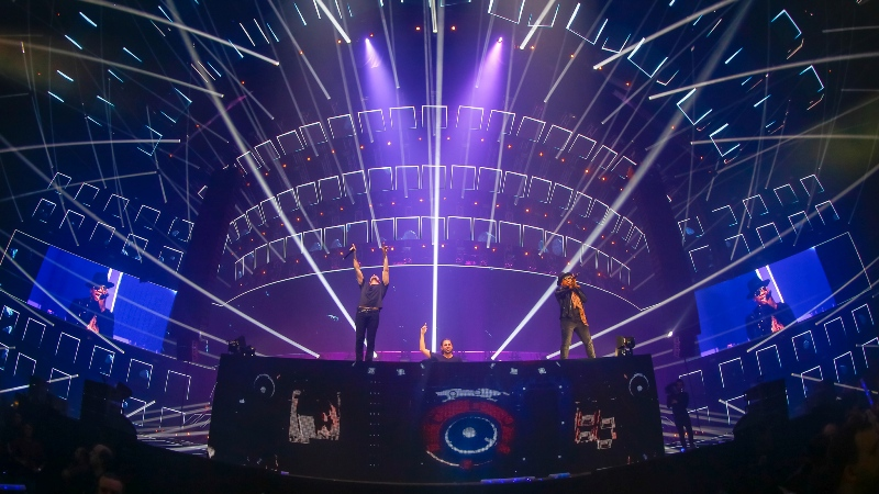 Bringing-The-Madness-3.0-EDMred-1 Dimitri Vegas & Like Mike, 3 Sold Out de Bringing The Madness 3.0