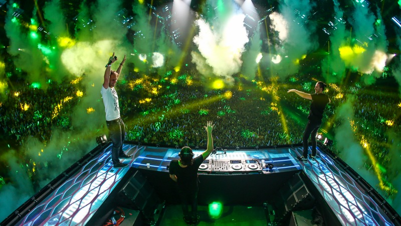 Bringing-The-Madness-3.0-EDMred-Armin-van-Buuren Dimitri Vegas & Like Mike, 3 Sold Out de Bringing The Madness 3.0