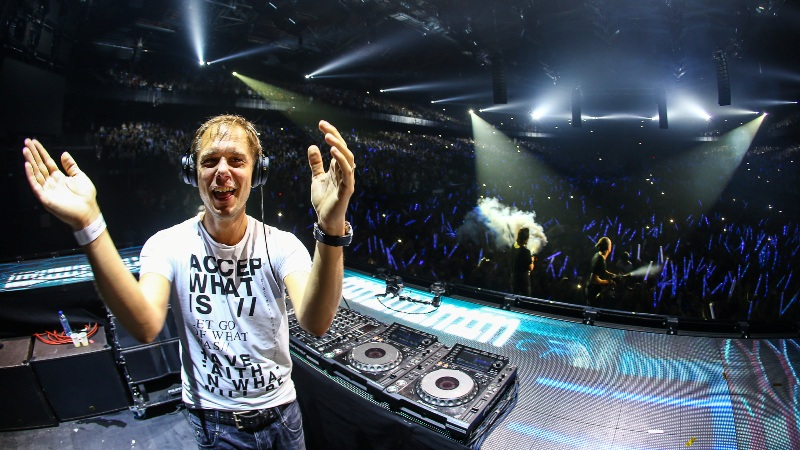 Bringing-The-Madness-3.0-EDMred-Armin Dimitri Vegas & Like Mike, 3 Sold Out de Bringing The Madness 3.0