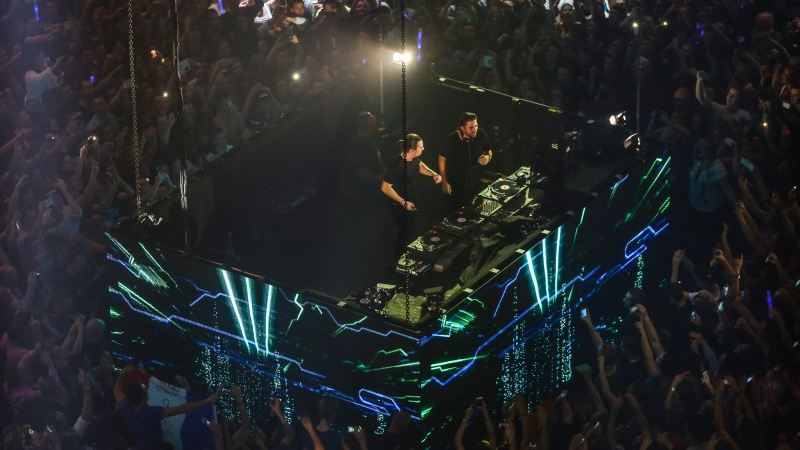 Bringing-The-Madness-3.0-vinyl-only-EDMred Dimitri Vegas & Like Mike, 3 Sold Out de Bringing The Madness 3.0