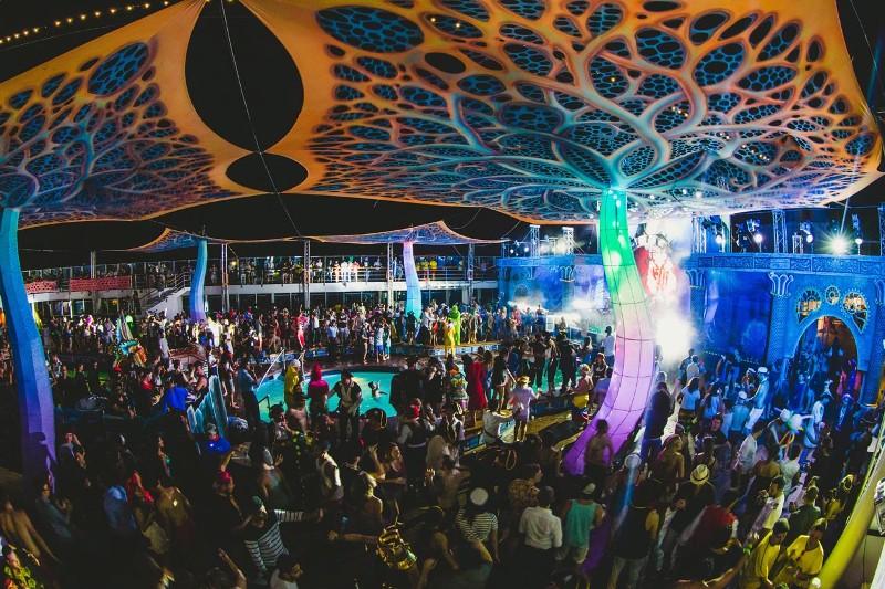 Main-Stage-Crowd-shipsomnia-EDMred Shipsomnia, una experiencia Tomorrowland en el mar