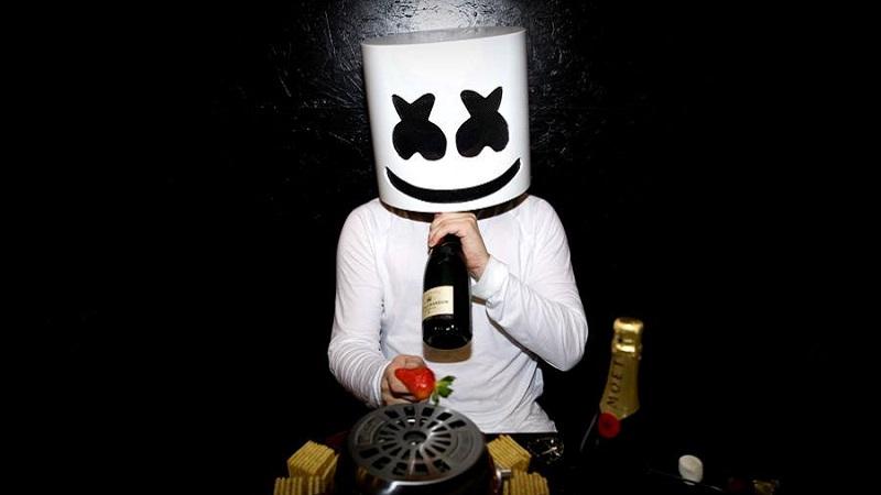 Photo of ¿Quién se esconde tras Marshmello? ¡Te lo contamos!