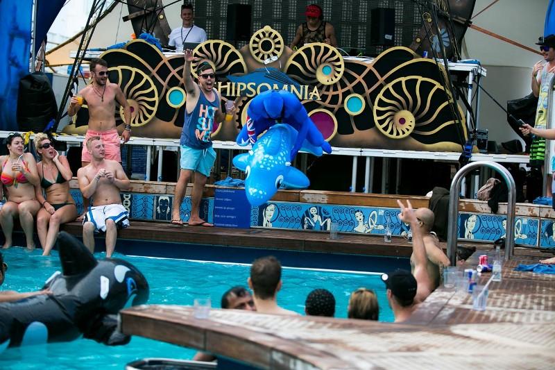 Pool-Party-shenanigans-shipsomnia-EDMred Shipsomnia, una experiencia Tomorrowland en el mar