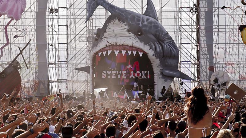 Steve-Aoki-Medusa-Sunbeach-EDMred Los siete tipos de festivaleros