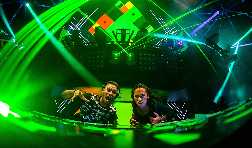 Photo of Sunnery James & Ryan Marciano and Eddie Thoneick – Drums Of Tobago