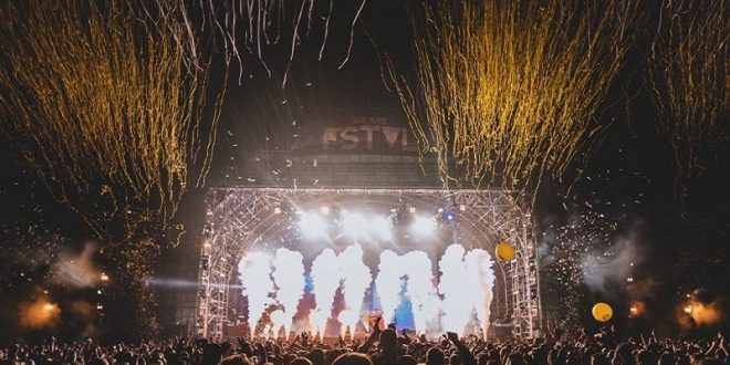 Tercera fase de We Are FSTVL al caer