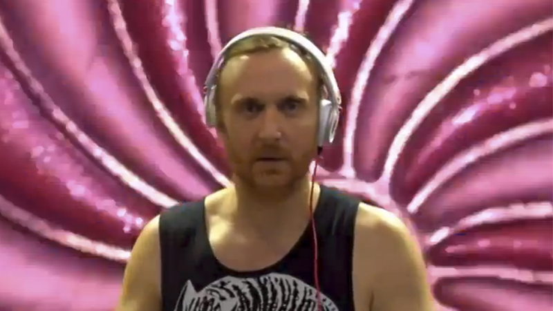 Photo of Dillon Francis trollea a David Guetta ¡y el mundo EDM estalla!