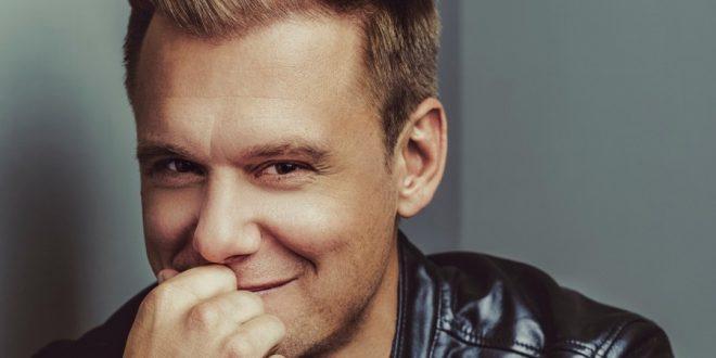 Armin van Buuren te enseña sus secretos de producción en su MasterClass