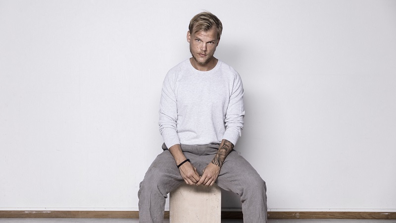 Photo of Avicii regresa oficialmente con su nuevo EP 'Avīci'