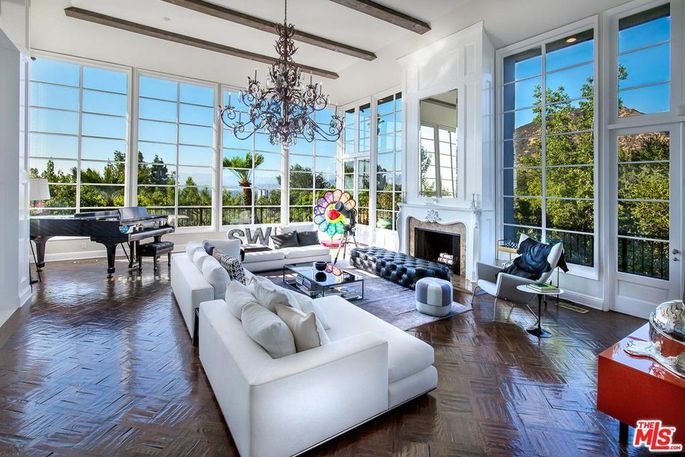 4cb5a9bb5a2c98152f15f36e97bbb81ew-c0xd-w685_h860_q80 Calvin Harris compra la casa de Steve Angello