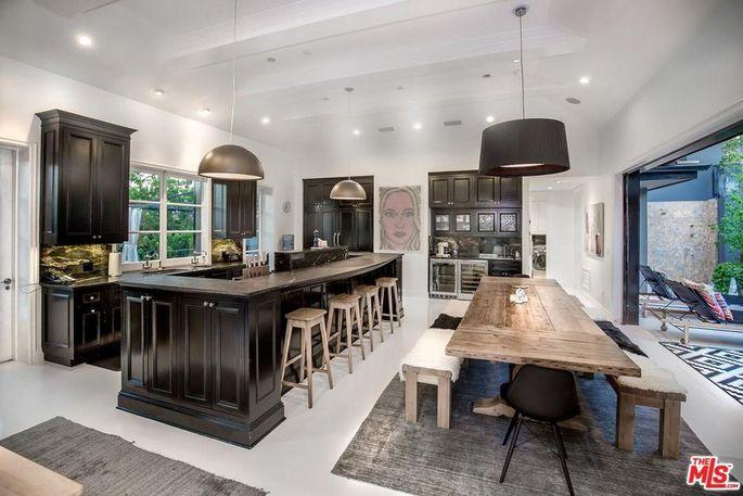 57e5f9c746a3ab5e023a5fa21309f4fcw-c0xd-w685_h860_q80 Calvin Harris compra la casa de Steve Angello