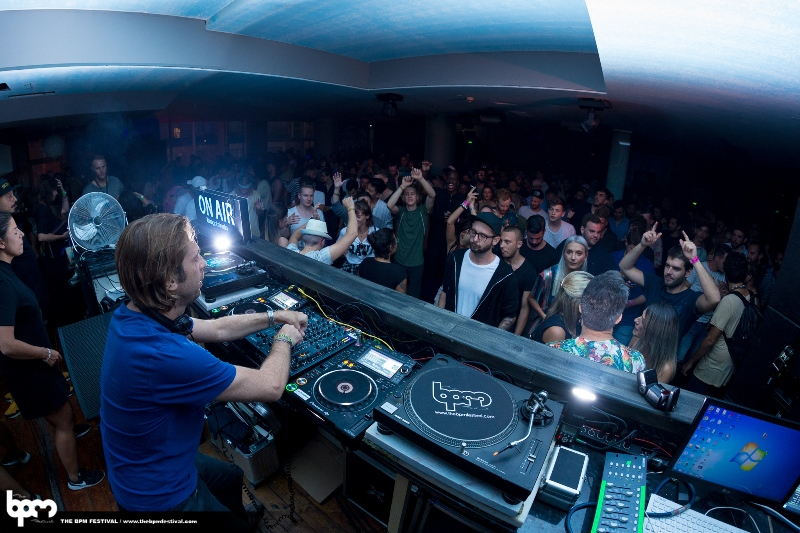 BPMPT17-SEPT15-NIGHT-OceansClub-OneRecords-DJulz-PIERREMOLLIER-009 The BPM Portugal 2017 en 50 fantásticas fotos
