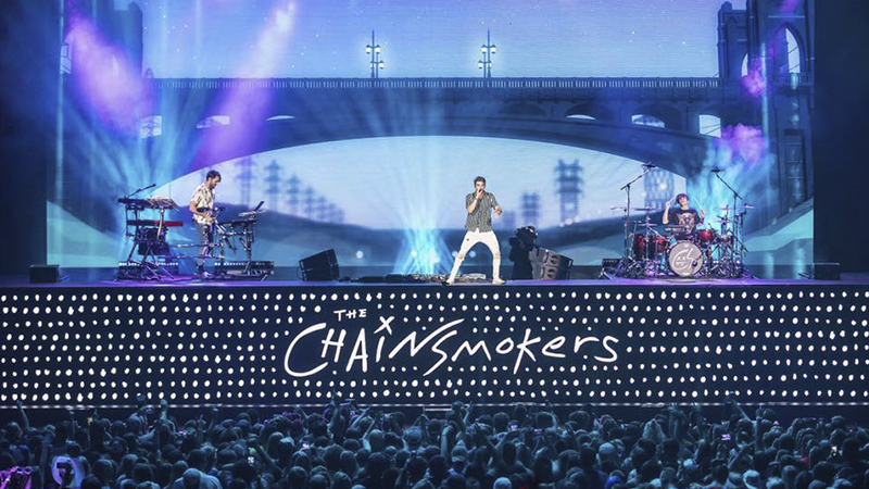 Photo of The Chainsmokers y Aazar lanzan Siren