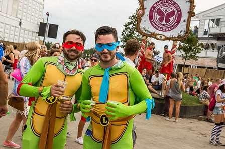 disfraz-Tomorrowland-EDMred Guía de vestuario para festivales