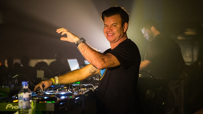 Photo of Paul Oakenfold pinchará en Area 51