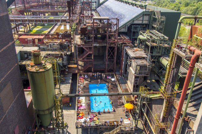 slideshow_image-675x450 Una mina de carbón se convierte en un club de techno
