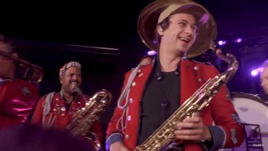 Photo of Flume aparece con el saxofón junto a MEUTE para interpretar 'Rushing Back'
