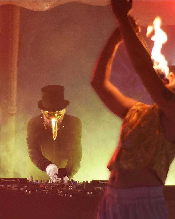 claptone-circus-en-EDMred Claptone In The Circus