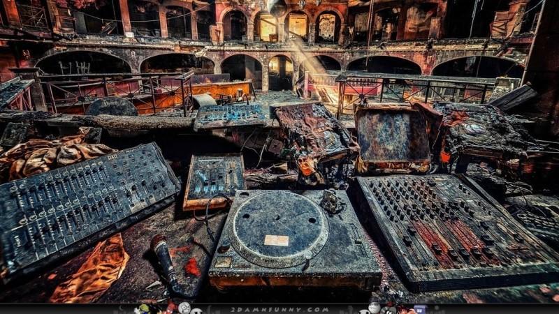 discoteca-abandonada La escena que nos deja morir